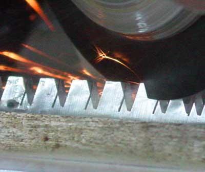 Piły do drewna Silky - technologia - wycinanie zębów