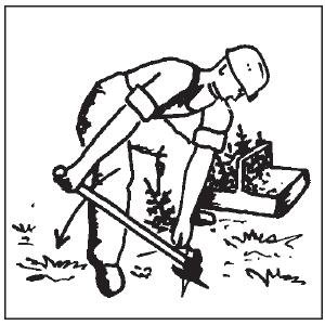 Hodowla lasu - używanie motyki