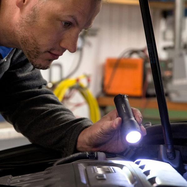 Sprzęt leśny - latarki ledlenser - latarka P7R