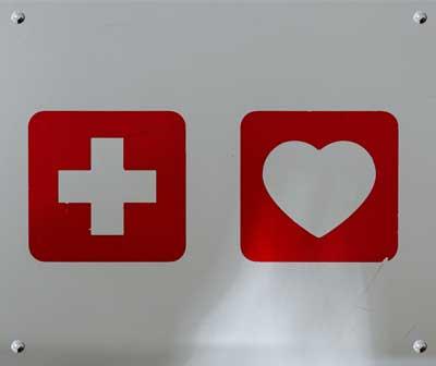 Sprzęt pierwszej pomocy w sklepie grube.pl - Pierwsza pomoc w terenie