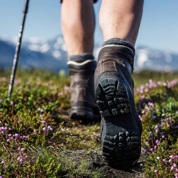 Jak pielęgnować buty trekkingowe - buty outdoor w ofercie Grube