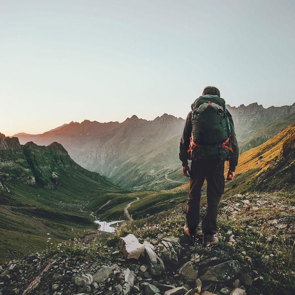 Sprzęt trekkingowy, outdoorowy w ofercie grube - techniki chodzenia podczas trekkingu