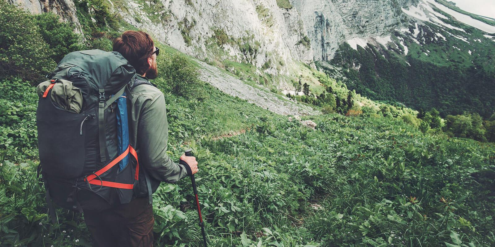 Wędruj w prawidłowy sposób: techniki chodzenia podczas trekkingu
